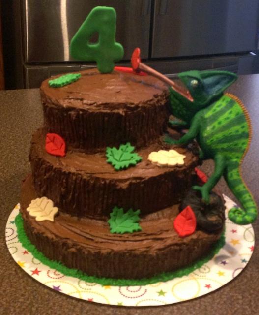 Tree Lizard Cake