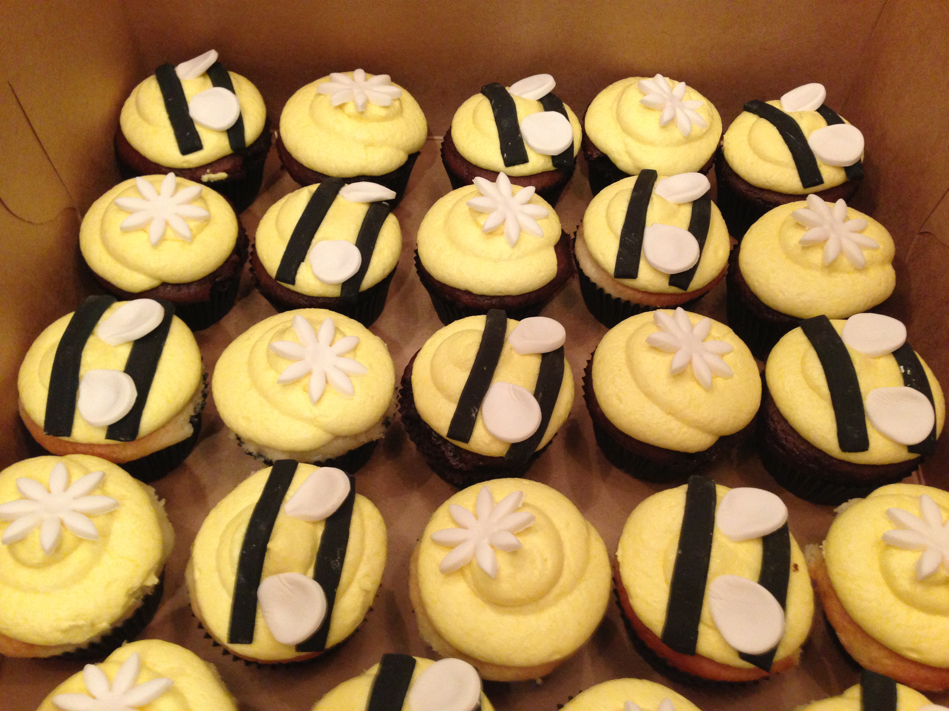 Bee Gender Reveal Cupcakes